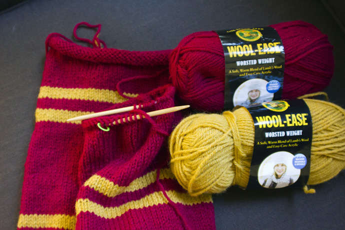 Knitting Pattern For Gryffindor Scarf : harry potter knit scarf