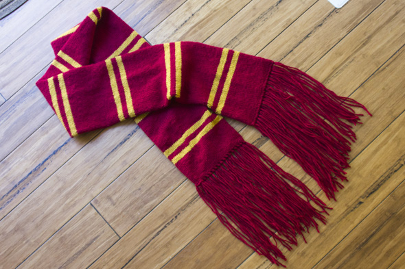 Knitting Pattern Gryffindor Scarf : harry potter knit scarf